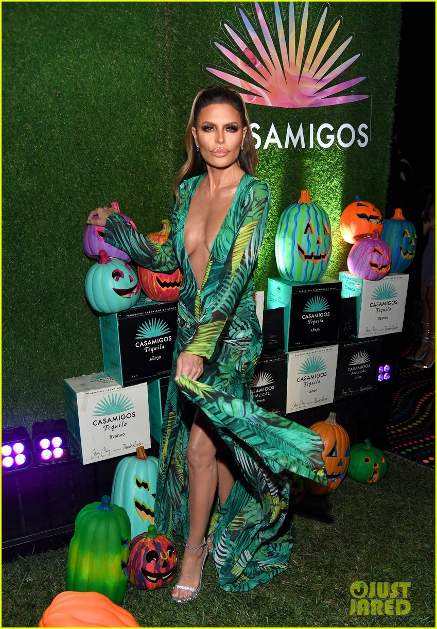 cindy crawford rande gerber casamigos halloween party 164377071