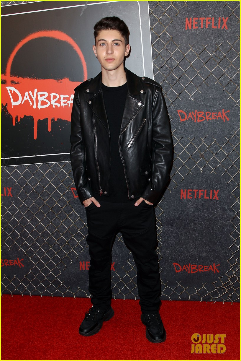 Matthew Broderick Colin Ford Debut First Episode Of New Show Daybreak At Nycc Photo 4366787 Alyvia Alyn Lind Austin Crute Colin Ford Gregory Kasyan Jeante Godlock Krysta Rodriguez Matthew Broderick Build is a live interview series like no other—a. just jared