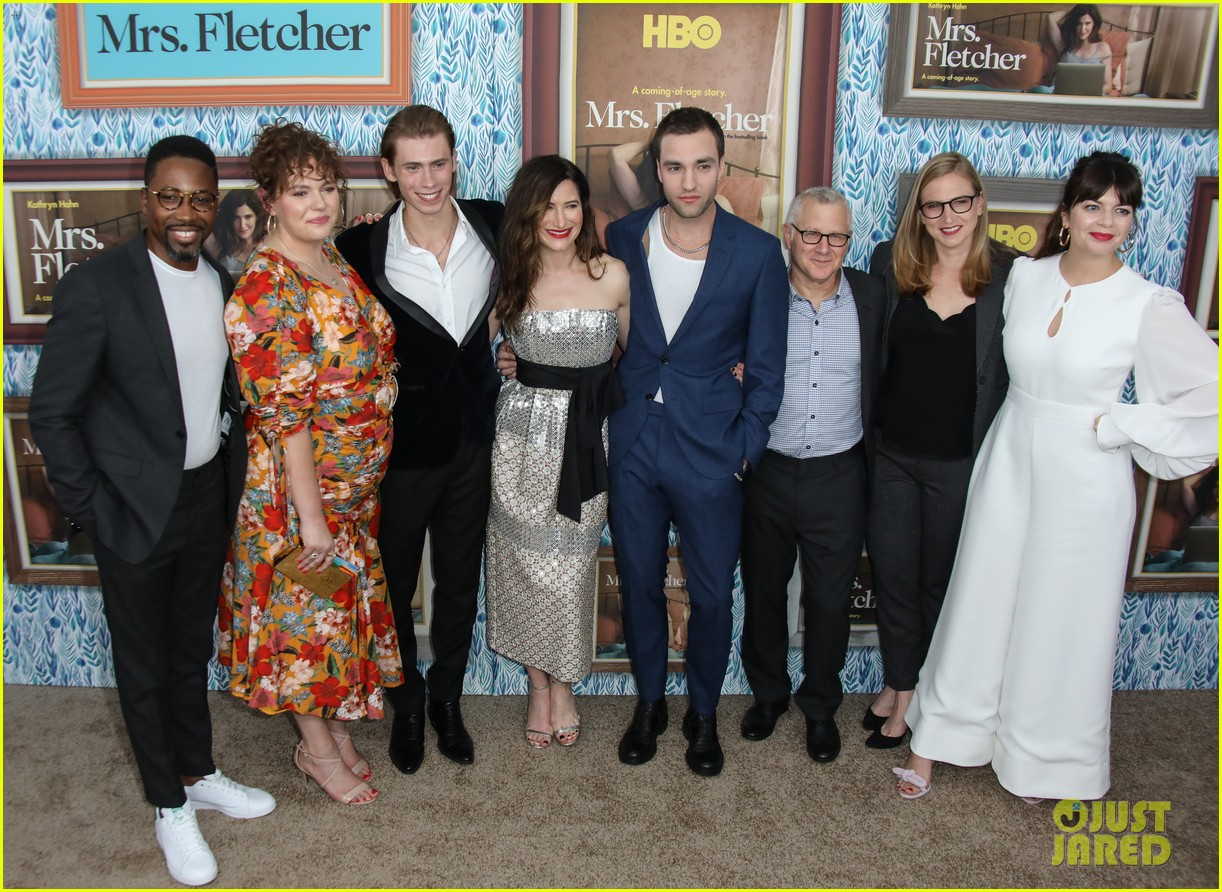 kathryn hahn celebrates premiere of her new hbo series mrs fletcher 134375039