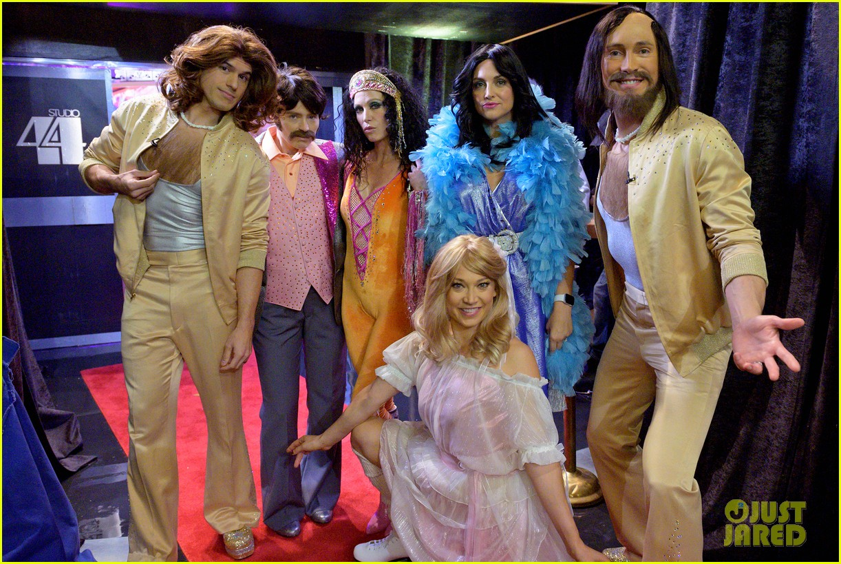 good morning america transforms into studio 54 for 70s themed halloween 024379691