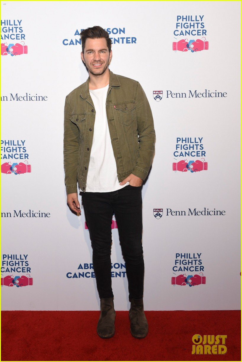 hugh jackman shows his support at philly fights cancer benefit 054377203