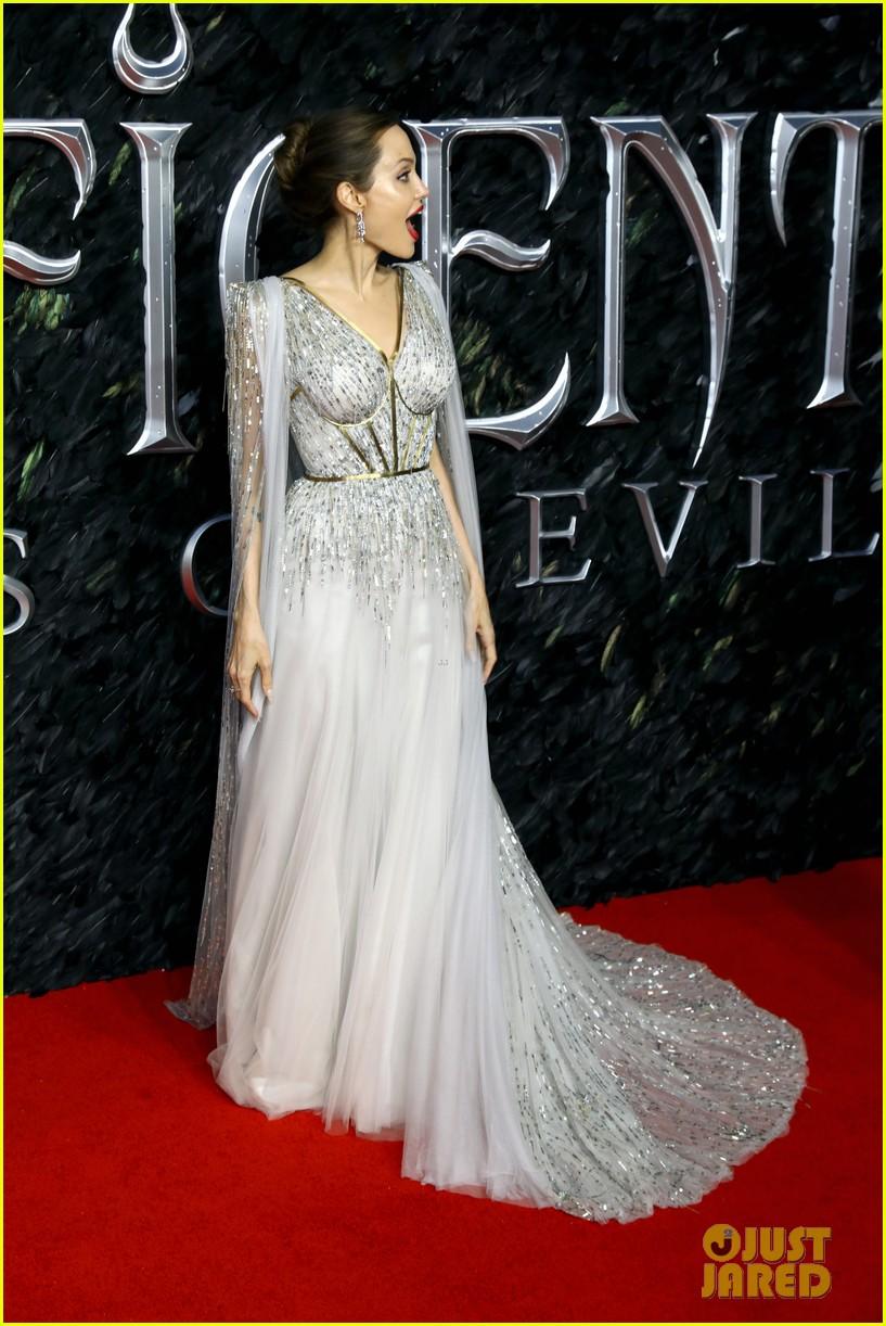 Angelina Jolie Brings Zahara Shiloh Knox Vivienne To