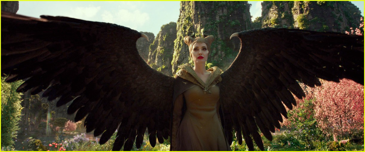 angelina jolie maleficent to top box office 054371942
