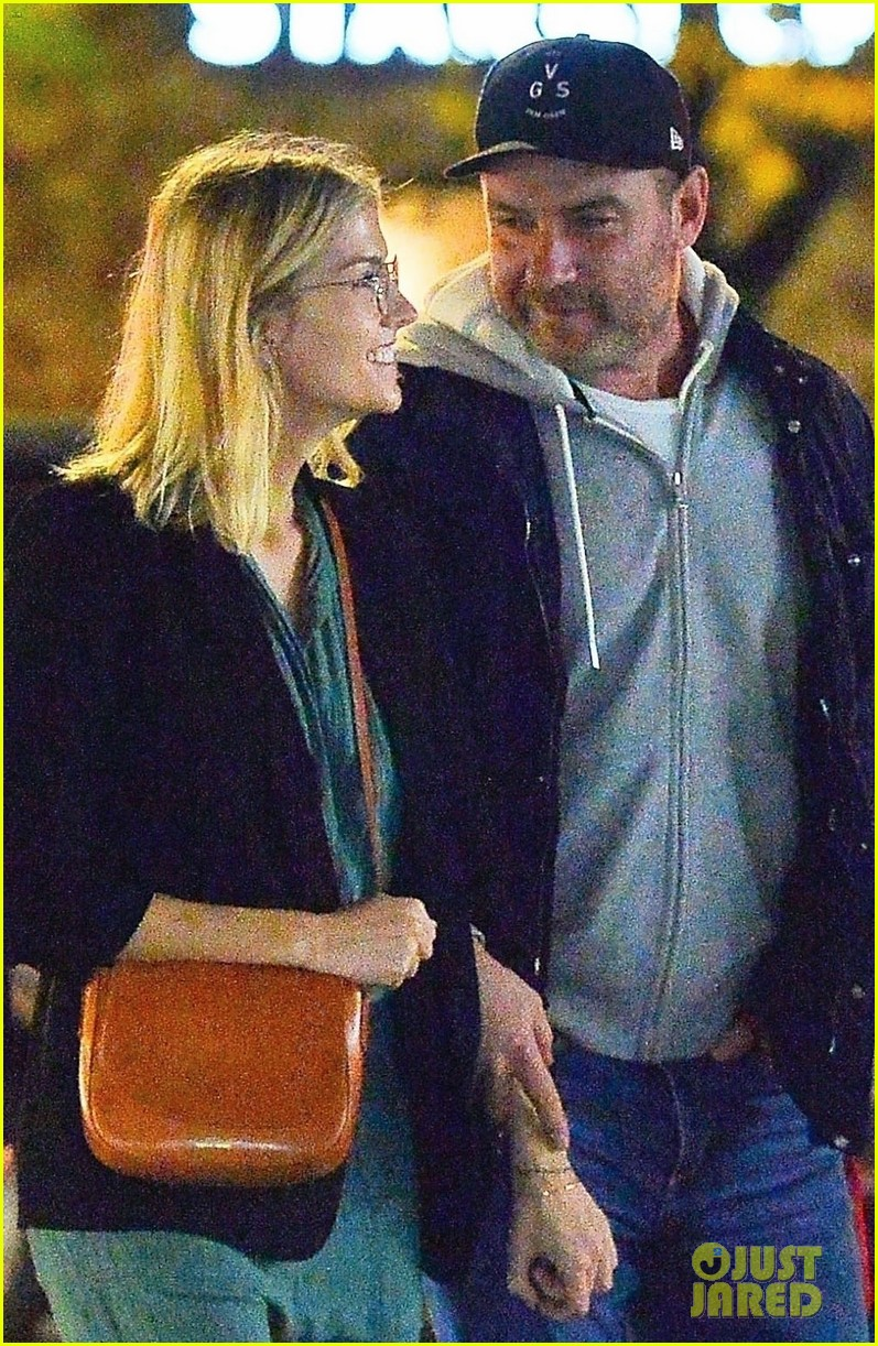 liev schreiber girlfriend ice cream date 014378028