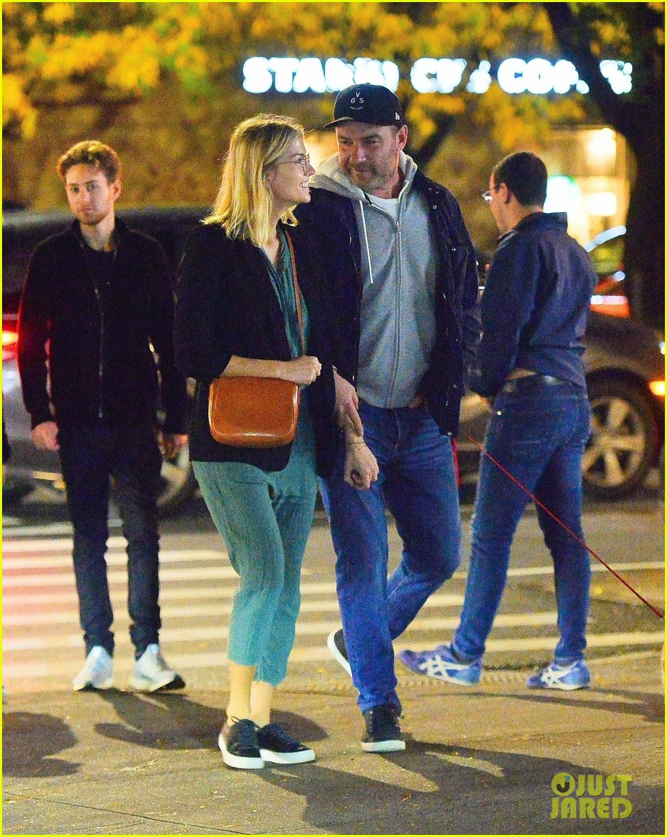 liev schreiber girlfriend ice cream date 034378030