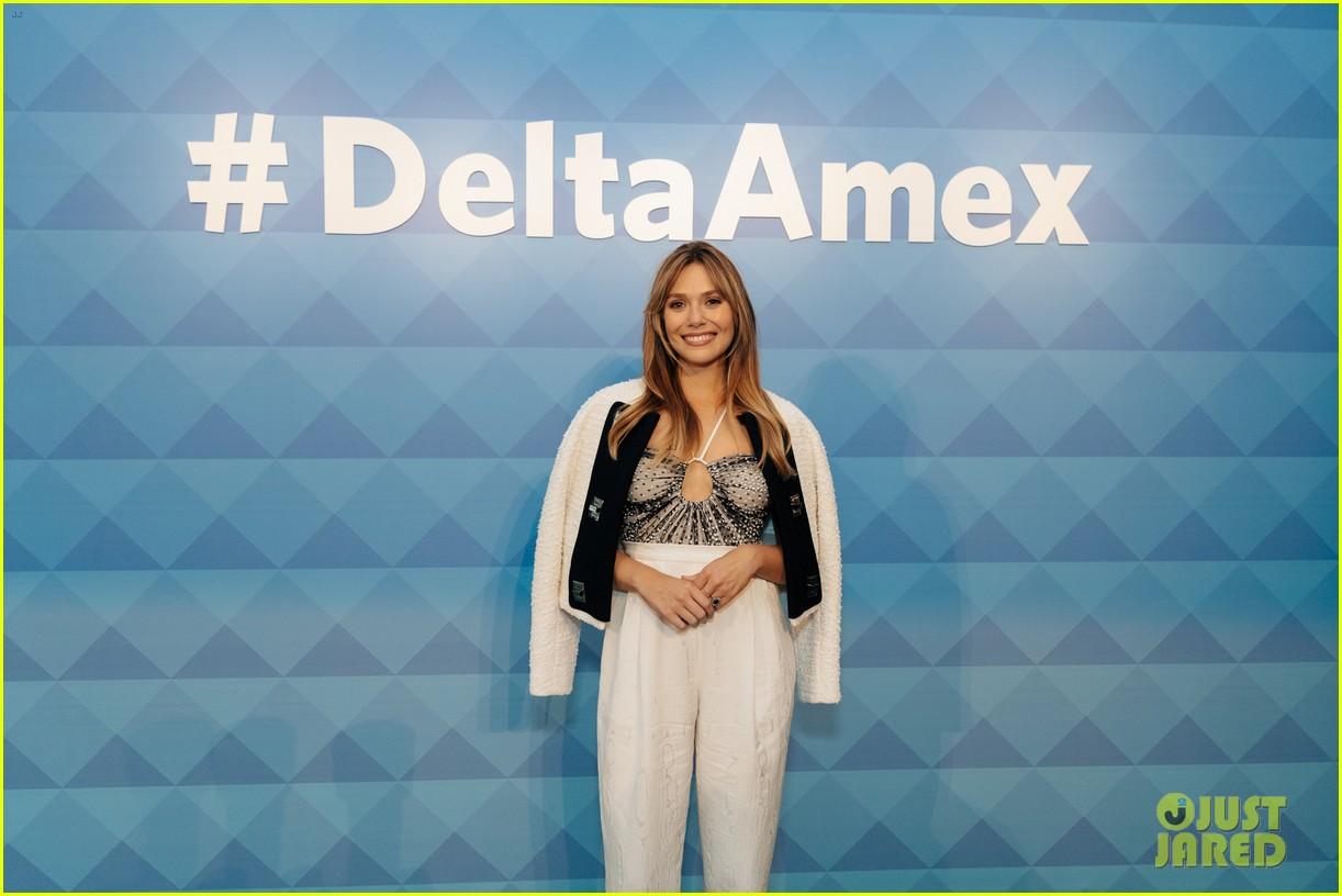 elizabeth olsen hosts delta american express relaunch 054364629
