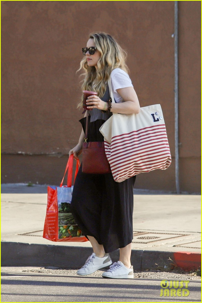 rachel mcadams goes shopping in la 034374675