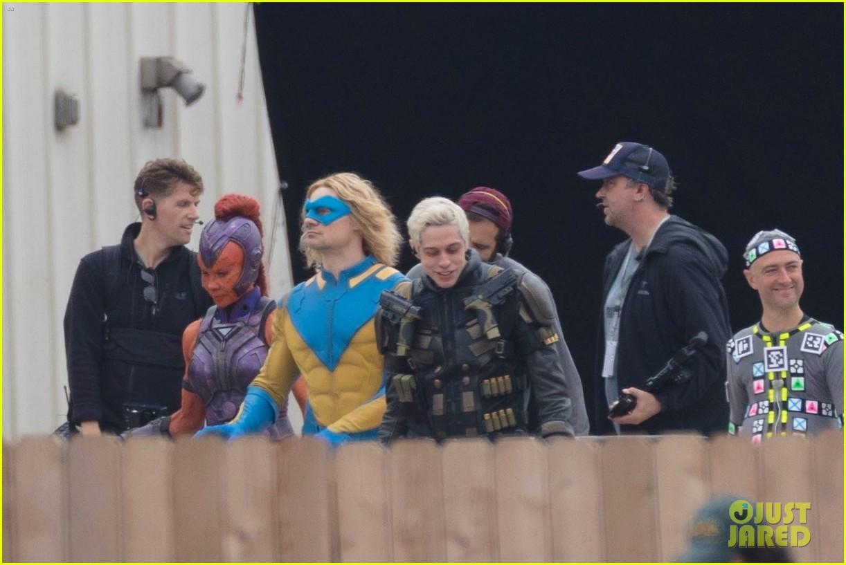[Obrazek: the-suicide-squad-cast-set-photos-03.jpg]