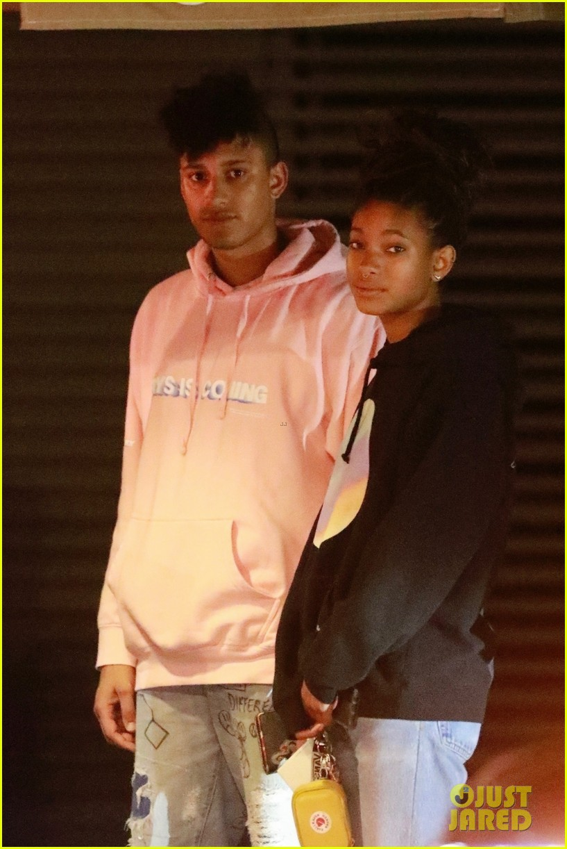 Willow Smith 2020: dating, net worth, tattoos, smoking ...  Willow Smith And Princeton Kissing