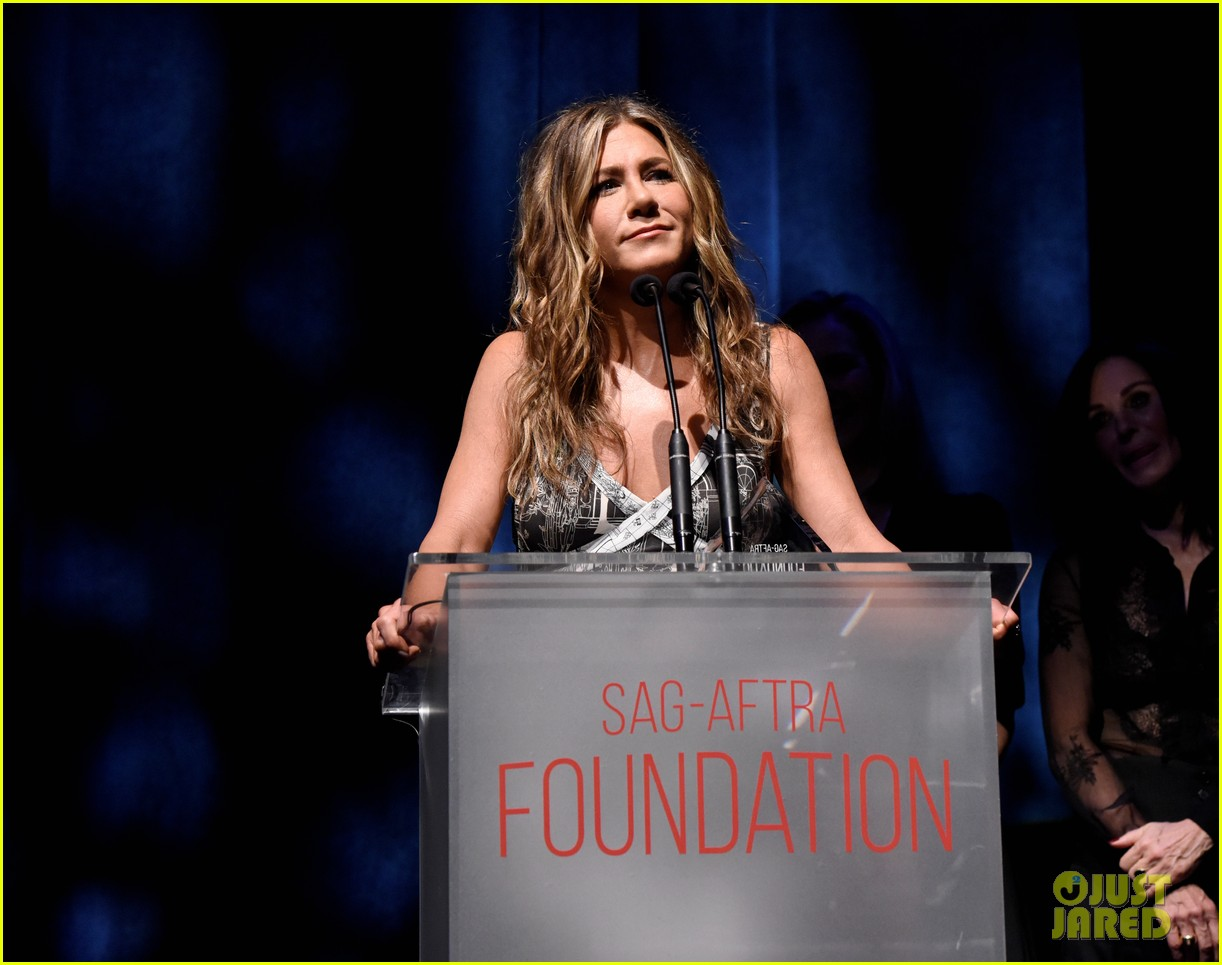jennifer aniston courteney cox lisa kudrow sag aftra event 124384506