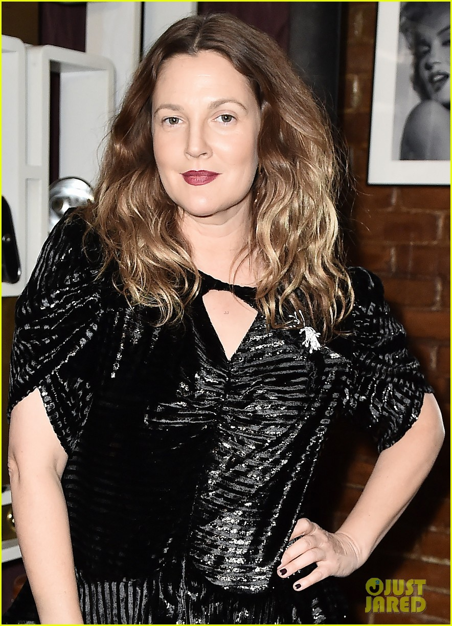 drew barrymore hosts nowaday soiree in nyc 044388626