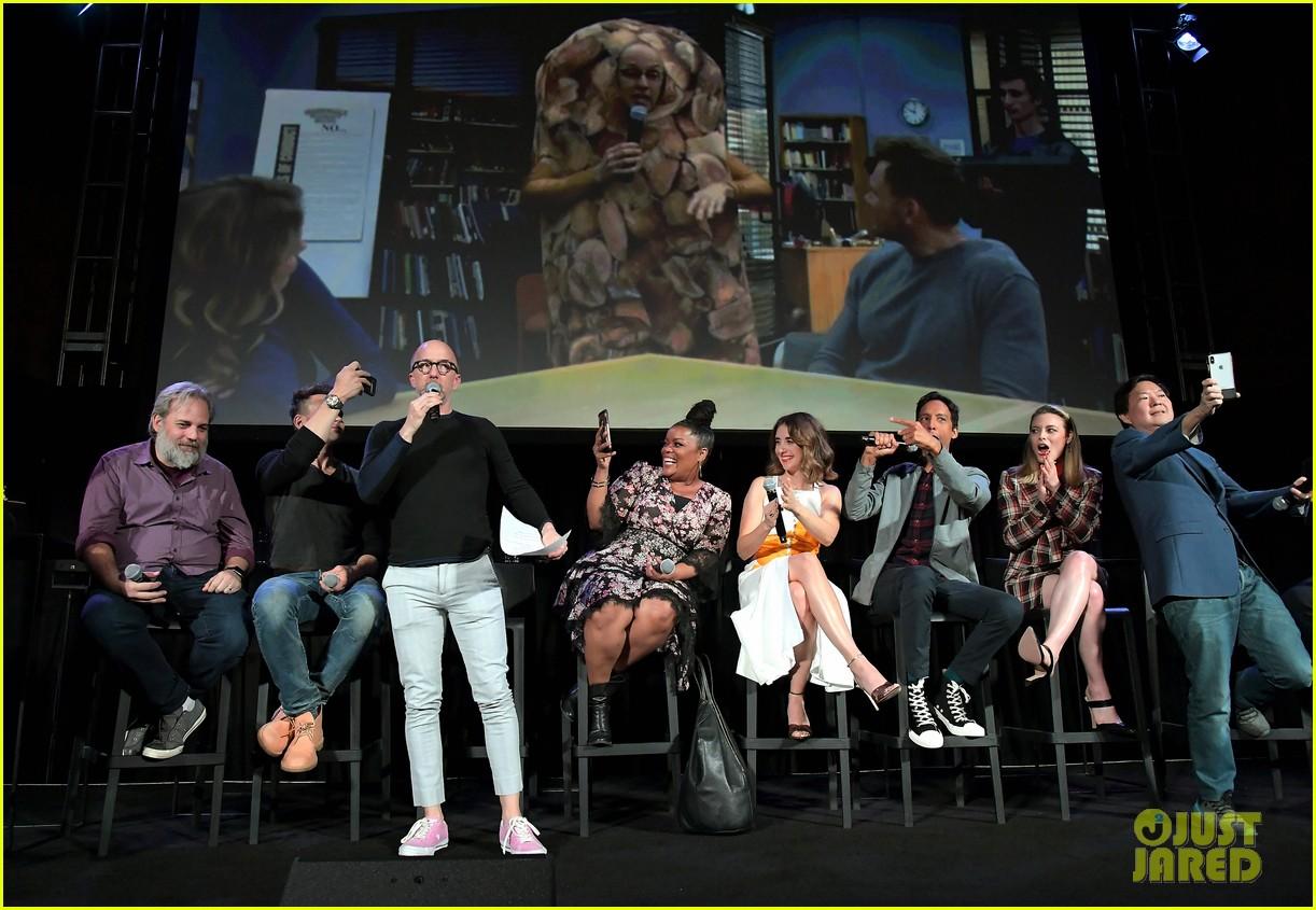 alison brie community cast pledge for movie if creator dan harmon writes it 054386233