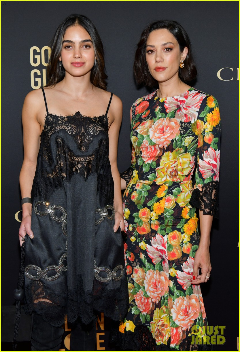 emilia clarke others at hfpa party 404388785