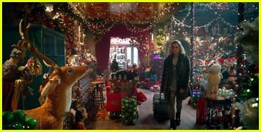 emilia clarke on last christmas spoilers 154385193