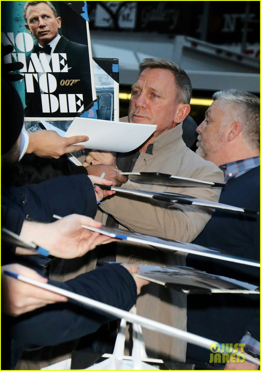 daniel craig confirms whether or not he has american passport 034391584