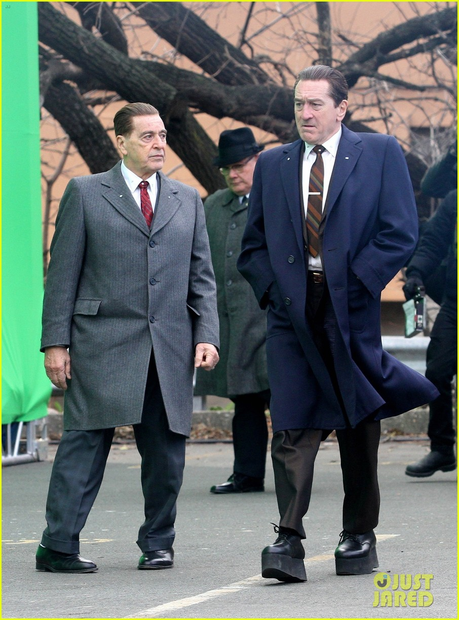robert de niro looks tall the irishman 034395446