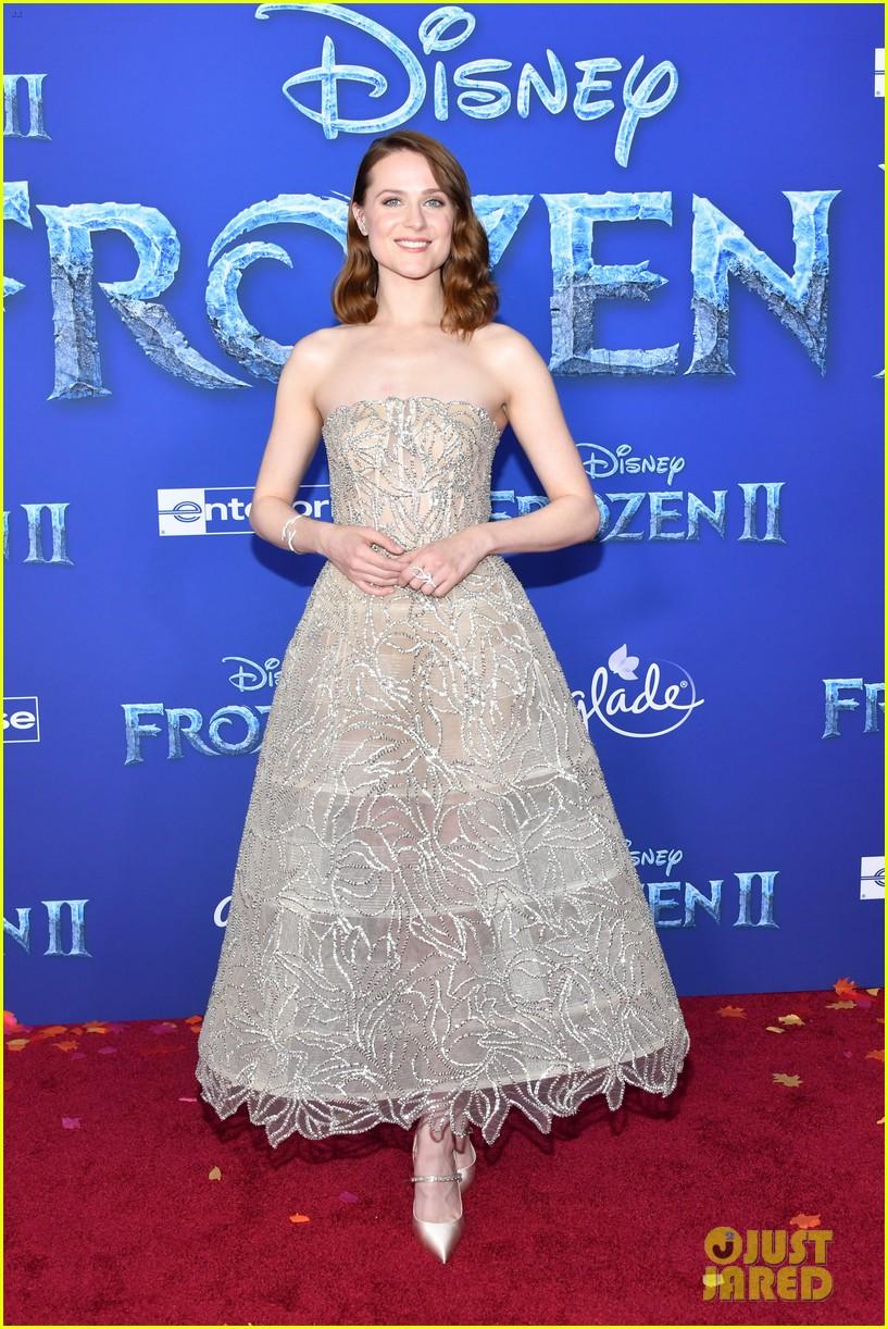 Idina Menzel, Kristen Bell, & 'Frozen 2' Cast Attend the ...  Idina Menzel, K...
