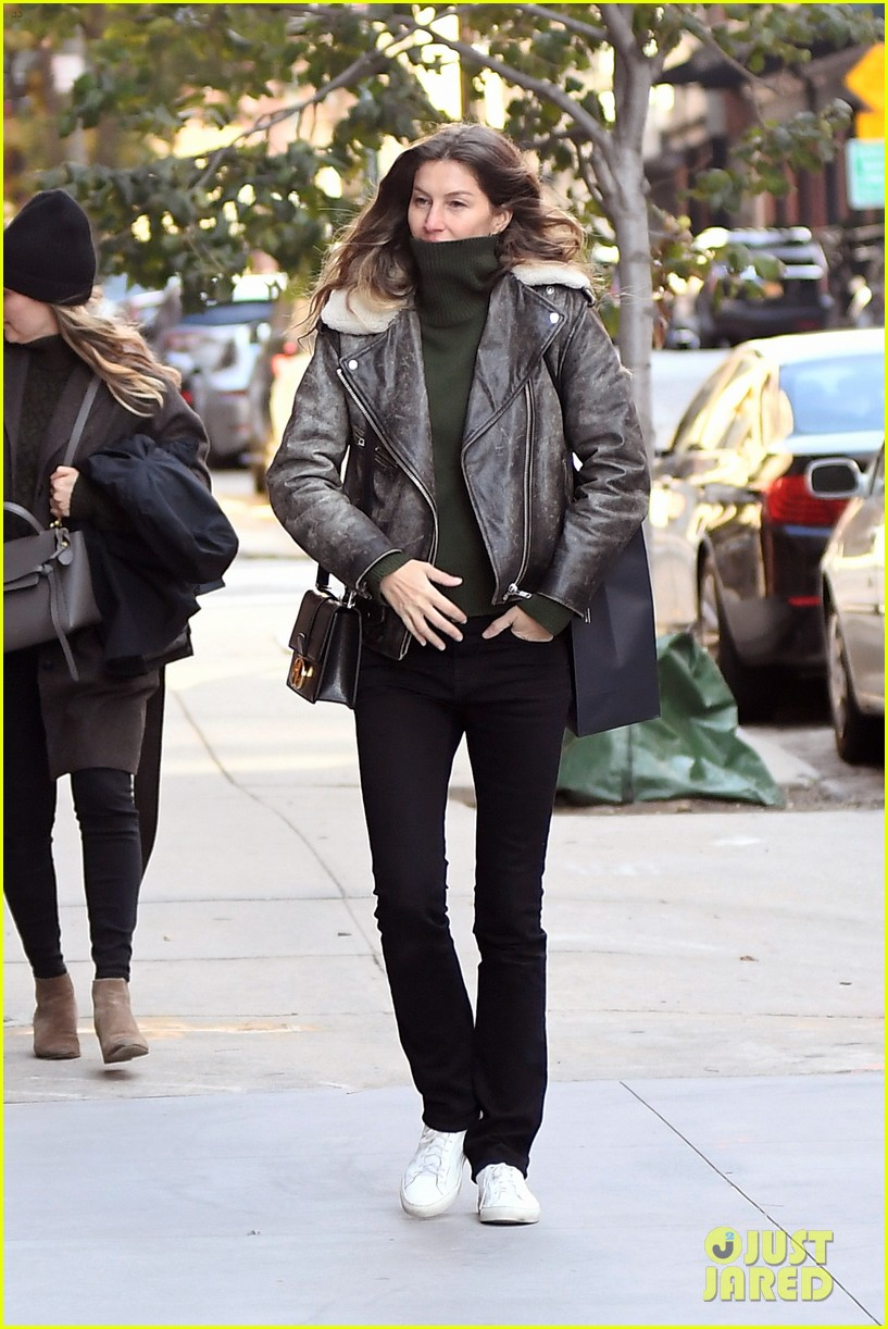 gisele bundchen bundles up rare day out in nyc 014385342
