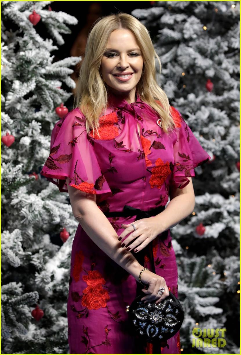 emilia clarke henry golding emma thompson celebrate uk premiere of last christmas 044386372