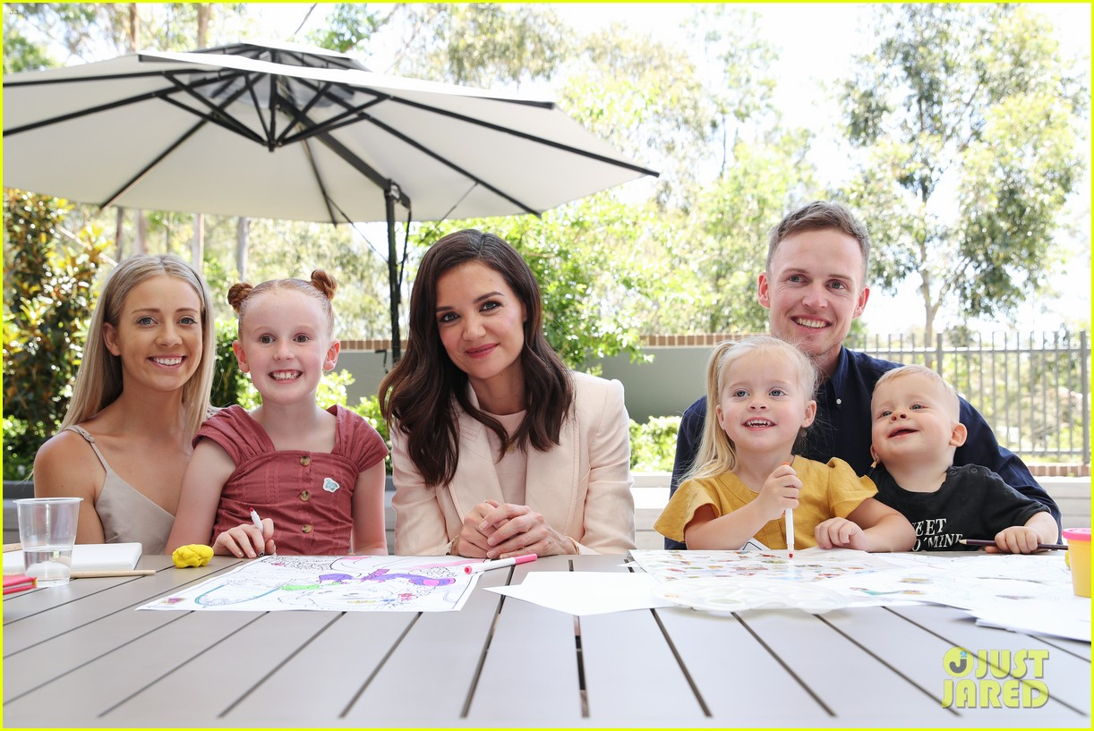 katie holmes arrives in australia for mchappy day charity 064388632