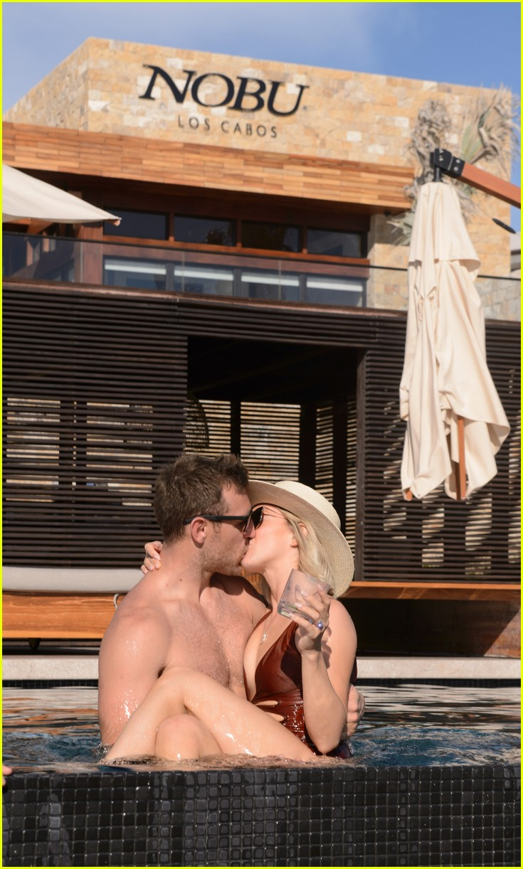 julianne hough derek hough couples retreat brooke burke 044382705