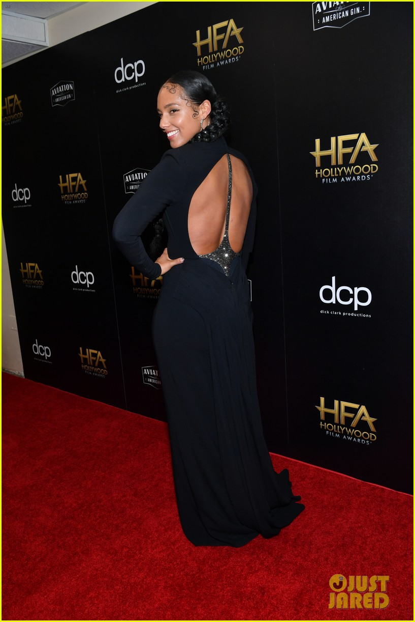 alicia keys honors pharrell williams letter to my godfather at hollywood film awards 2019 014381732