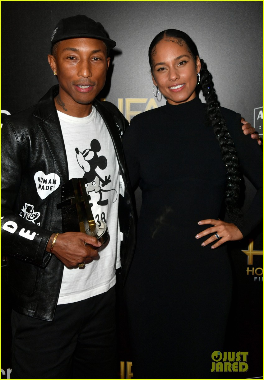 alicia keys honors pharrell williams letter to my godfather at hollywood film awards 2019 044381735