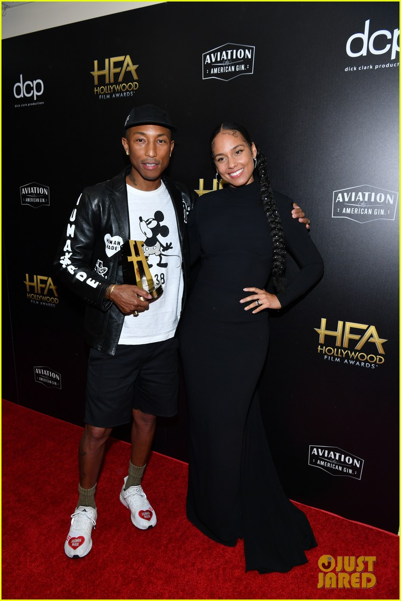 alicia keys honors pharrell williams letter to my godfather at hollywood film awards 2019 064381737