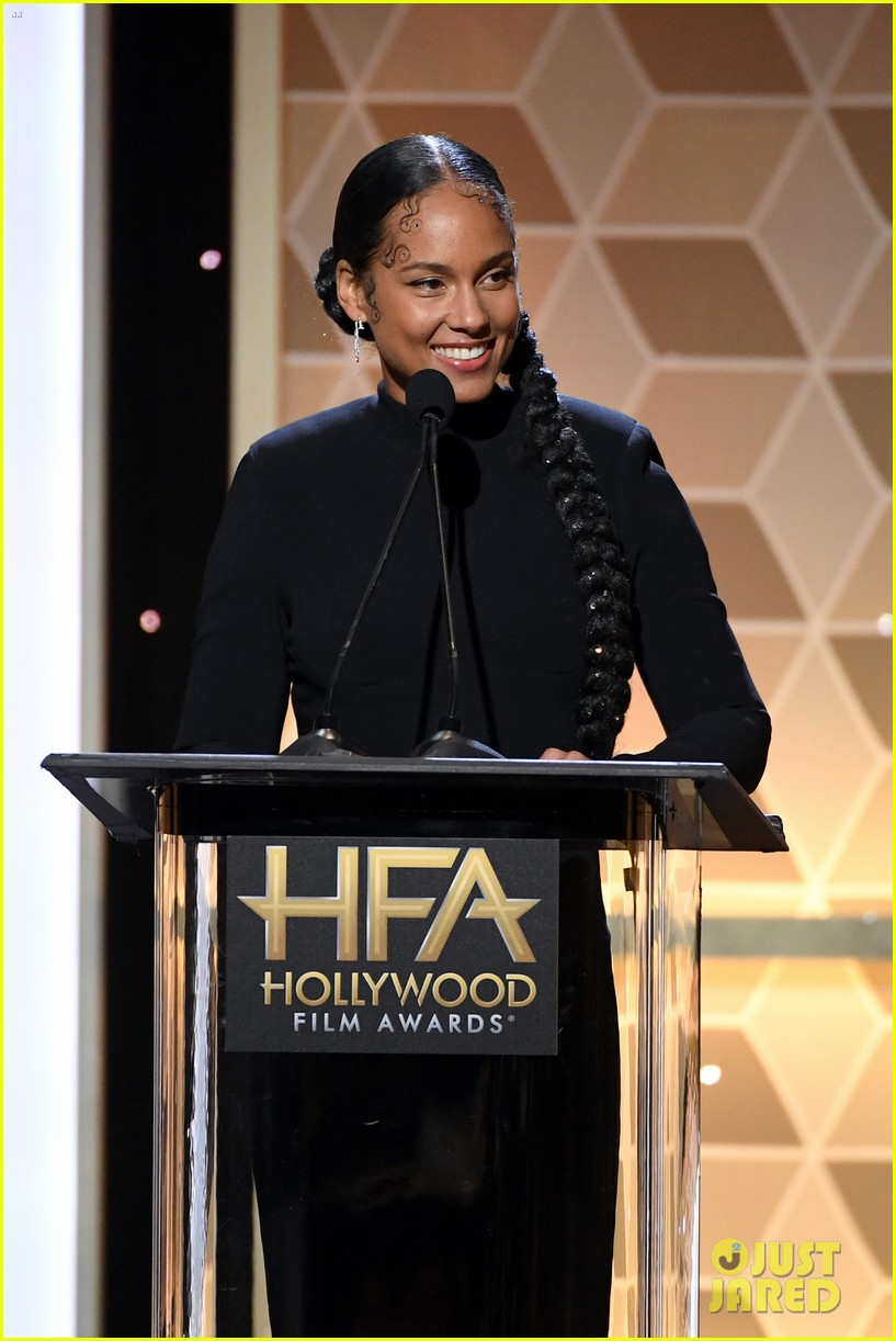 alicia keys honors pharrell williams letter to my godfather at hollywood film awards 2019 074381738