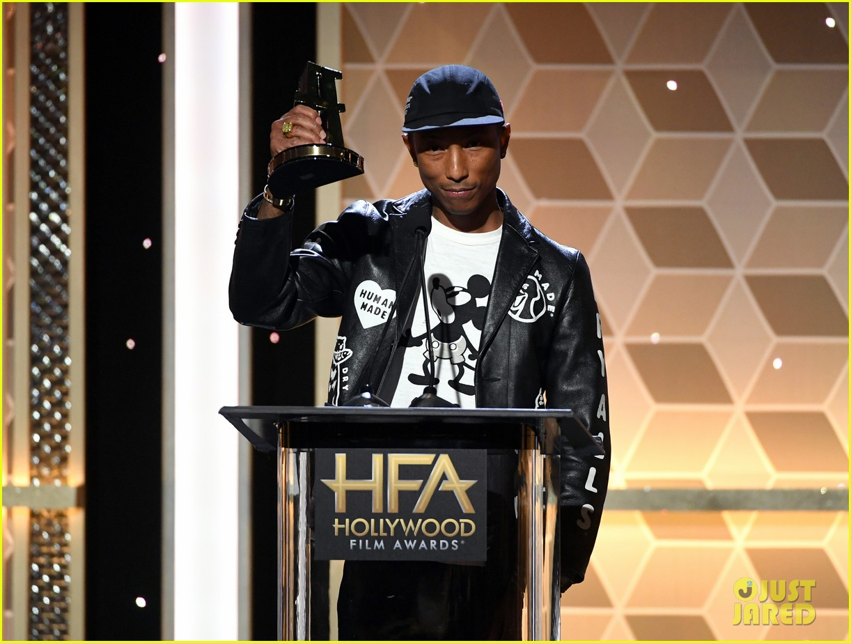 alicia keys honors pharrell williams letter to my godfather at hollywood film awards 2019 194381750