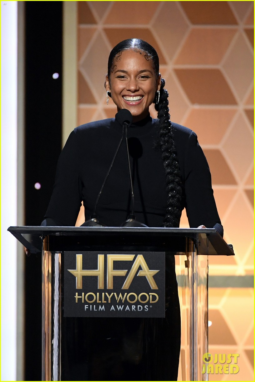 alicia keys honors pharrell williams letter to my godfather at hollywood film awards 2019 224381753