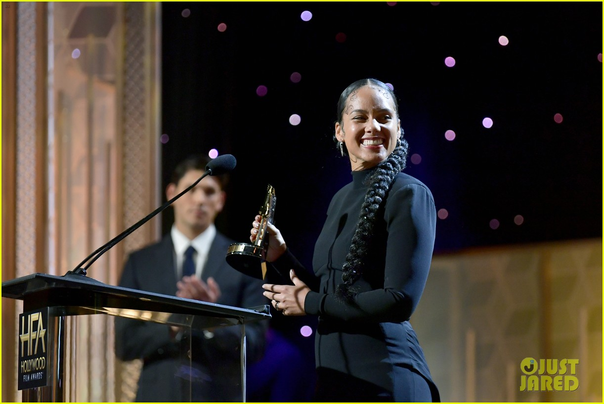 alicia keys honors pharrell williams letter to my godfather at hollywood film awards 2019 284381759