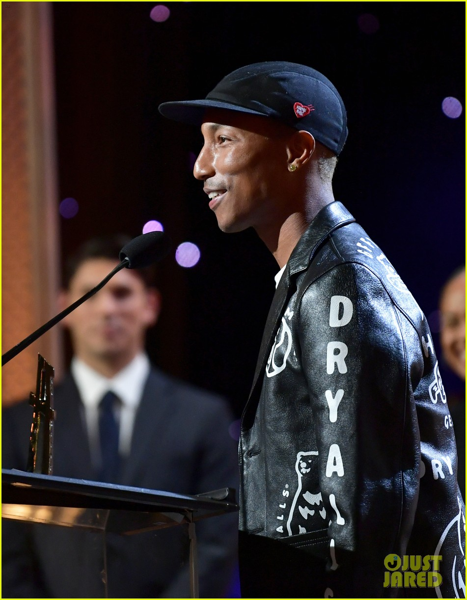 alicia keys honors pharrell williams letter to my godfather at hollywood film awards 2019 294381760