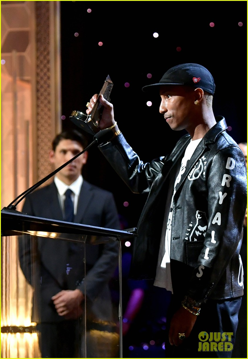 alicia keys honors pharrell williams letter to my godfather at hollywood film awards 2019 344381765