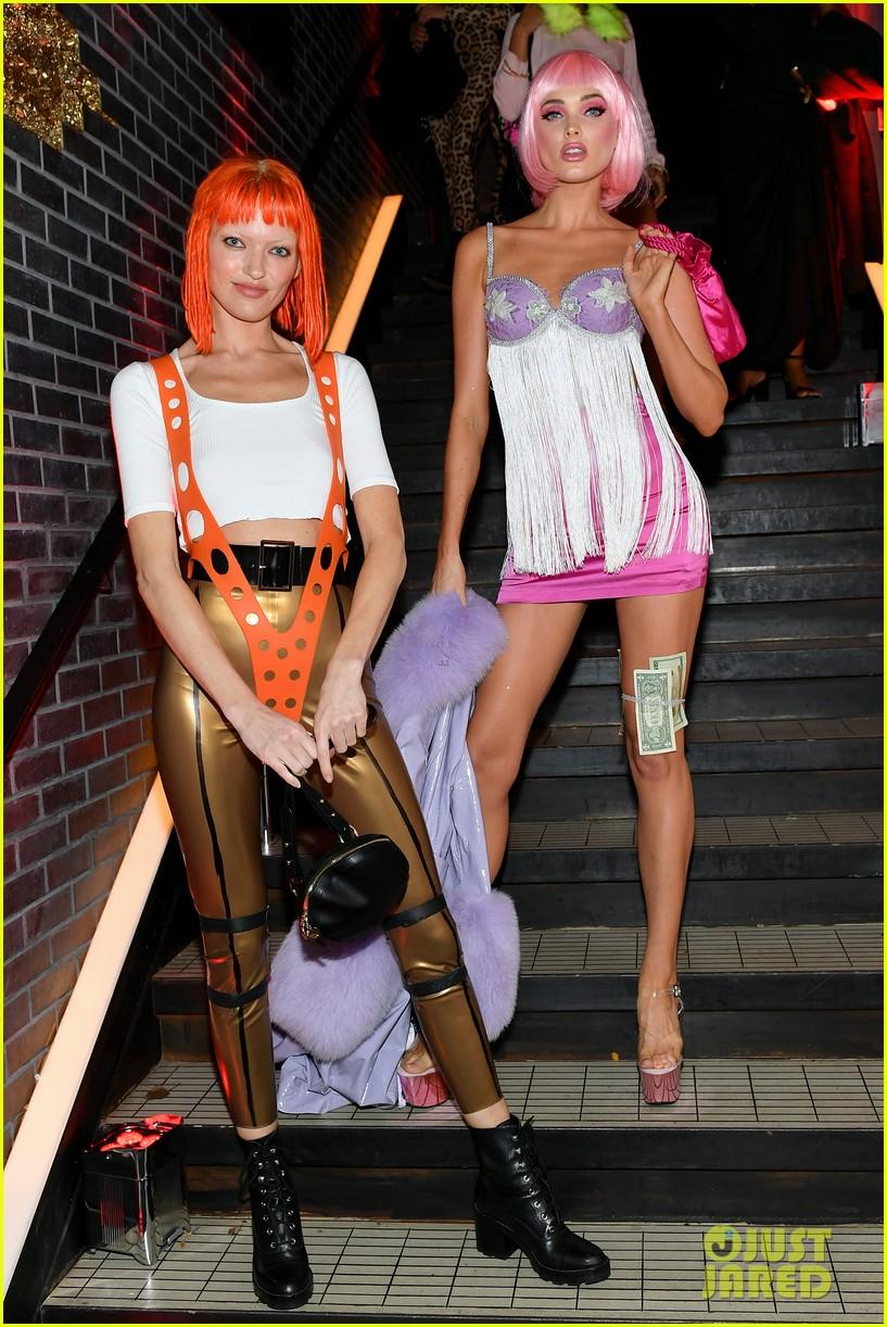karlie kloss martha hunt elsa hosk more models live it up at heidi klums halloween party 074380388