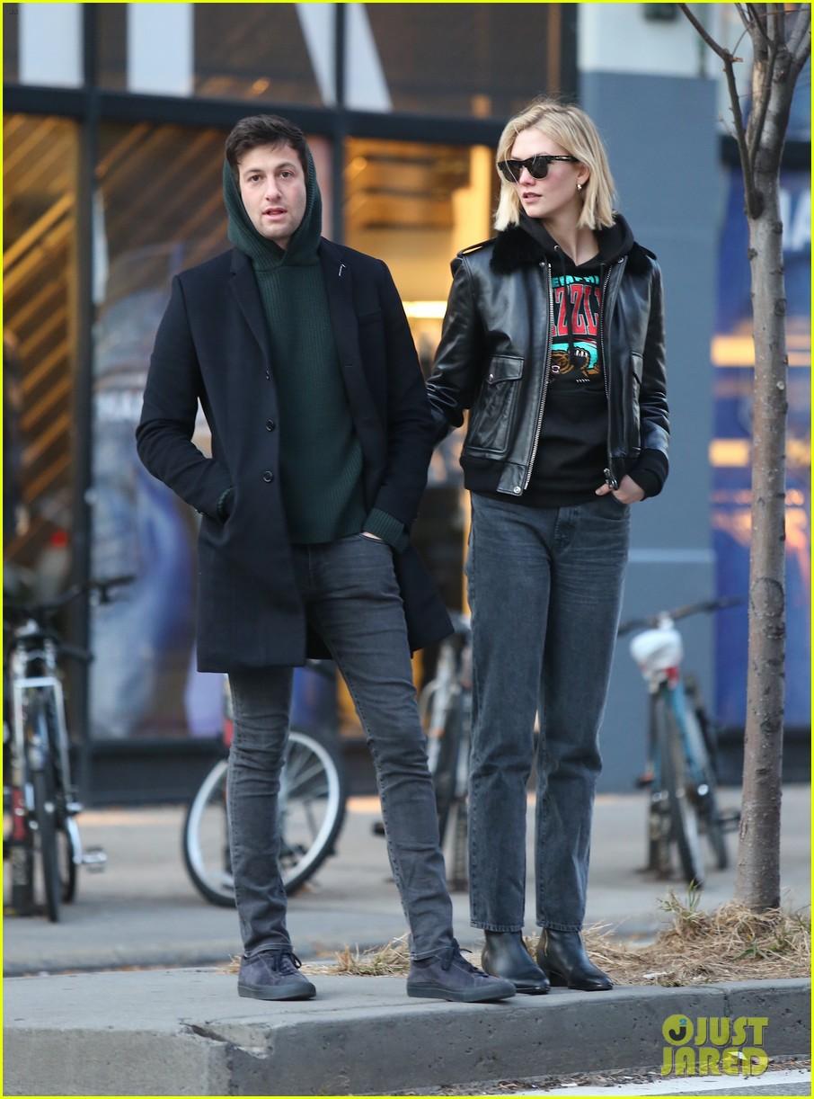 Karlie Kloss & Husband Joshua Kushner ...