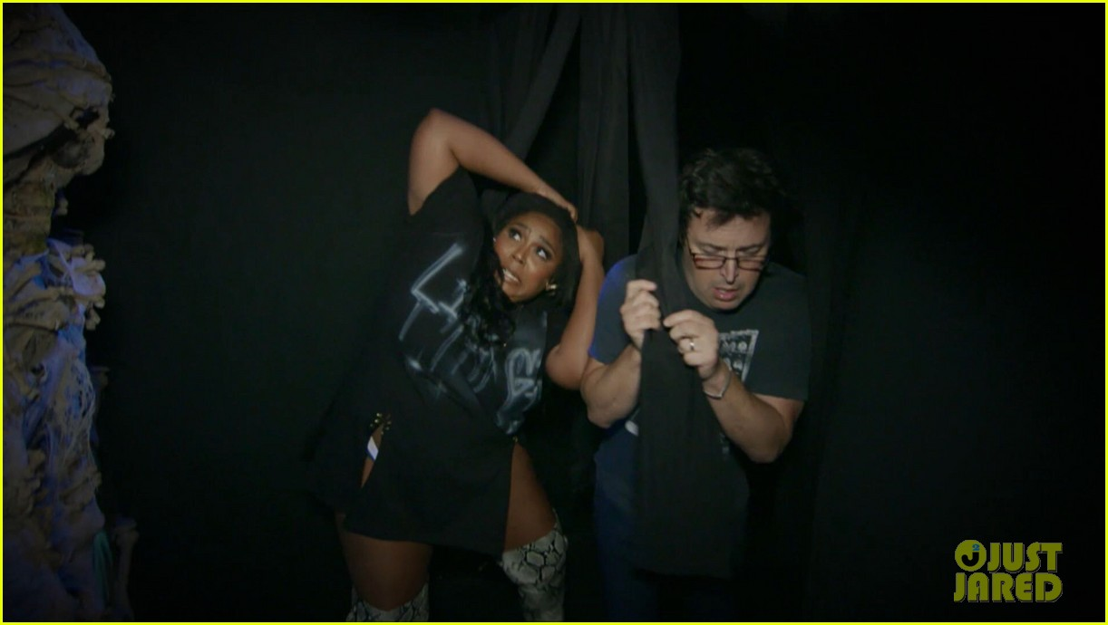 lizzo hits the ground with fear during haunted house tour ellen 014380153