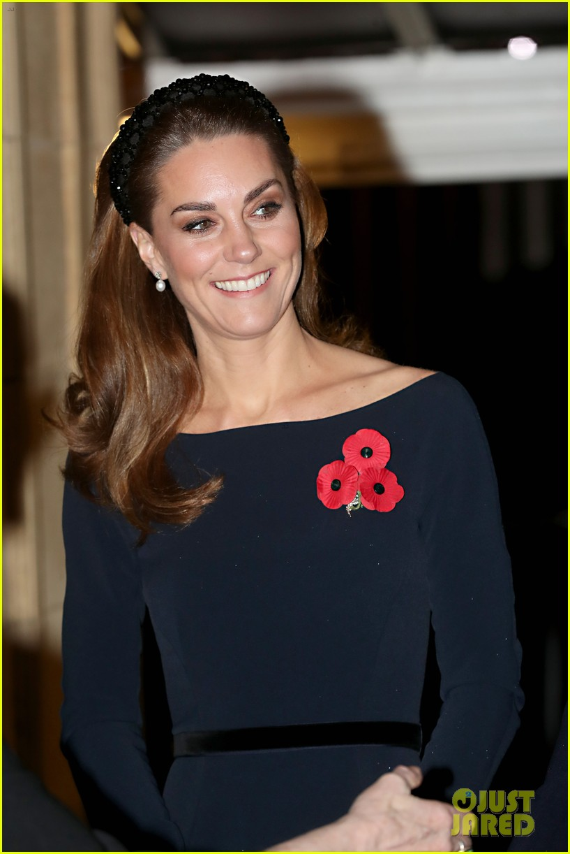 meghan markle kate middleton prince william prince harry at family event 044385268