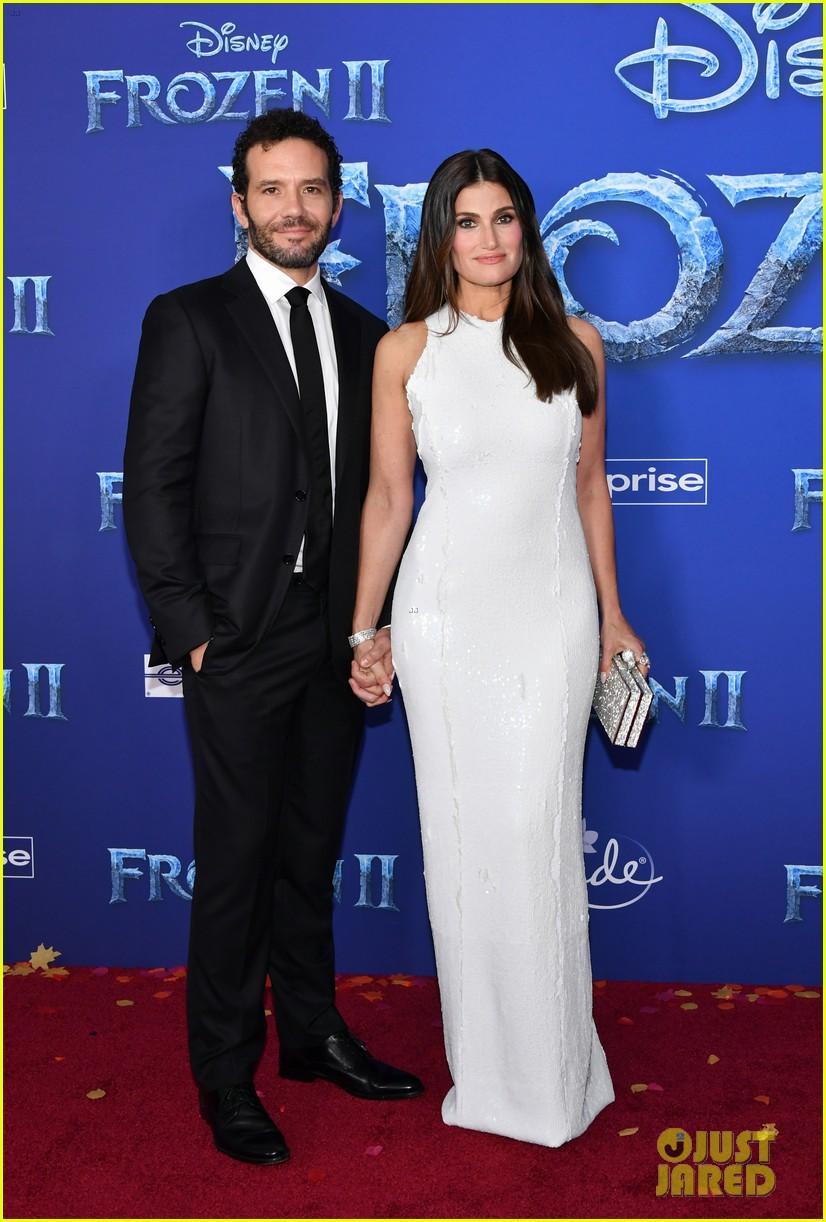 Idina Menzel & Husband Aaron Lohr Make Rare Red Carpet ...  Idina Menzel & ...