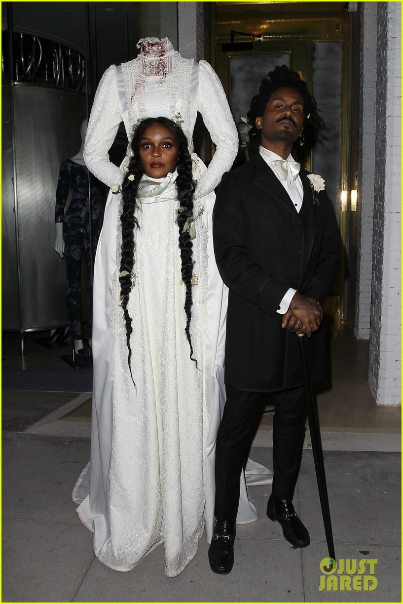 Janelle Monae Lana Del Rey Gabrielle Union More Dress Up For Beyonce Jay Z S Halloween Party Photo 4380365 2019 Halloween Alicia Keys Beyonce Knowles Cash Warren Gabrielle Union Halloween