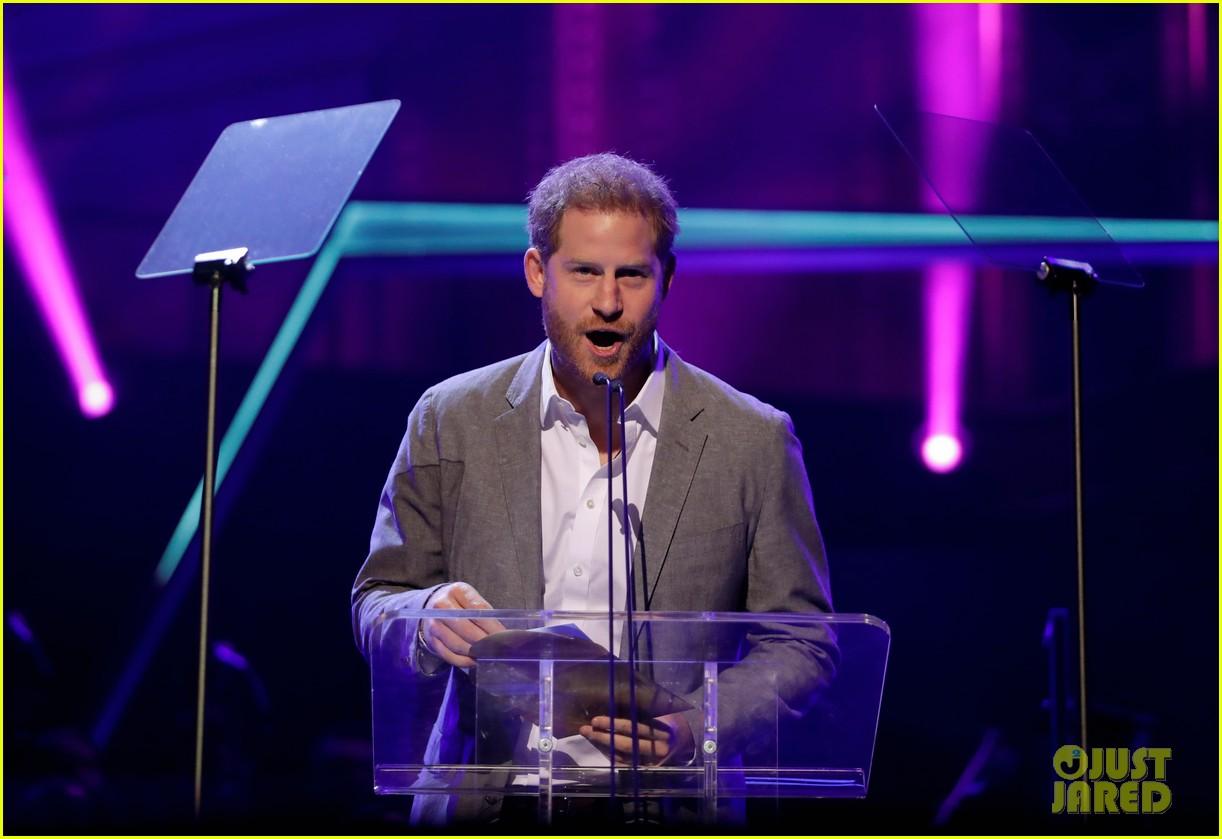 prince harry onside awards november 2019 014389616