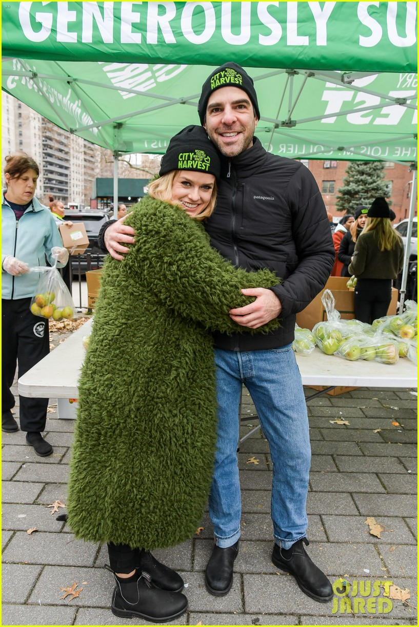 zachary quinto helps distribute food with city harvest ahead of thanksgiving 054395346