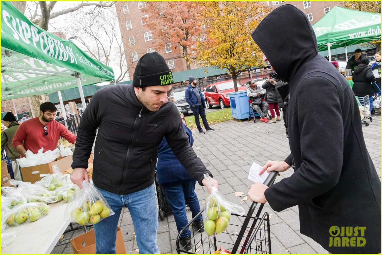 zachary quinto helps distribute food with city harvest ahead of thanksgiving 074395348