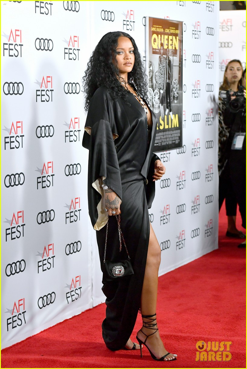 rihanna goes sexy in silk for queen and slim premiere 014388437