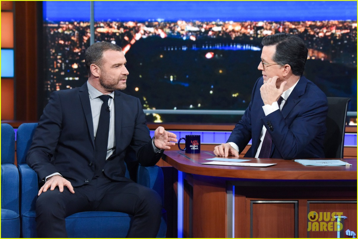 liev schreiber had to apologize to his kids for bringing ray donovan home 014387513