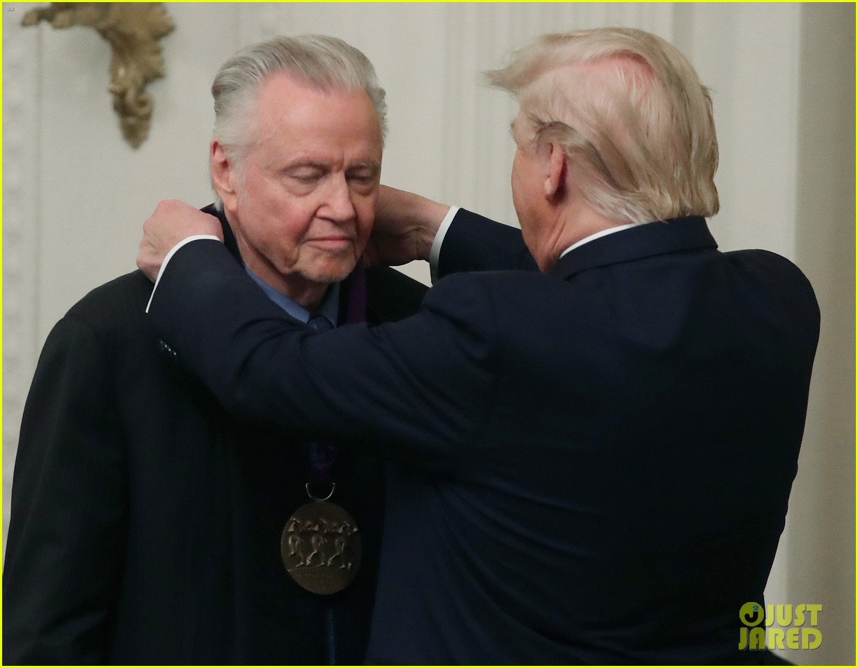 jon voight shows off dance moves trump awards him national medal of arts 054391537