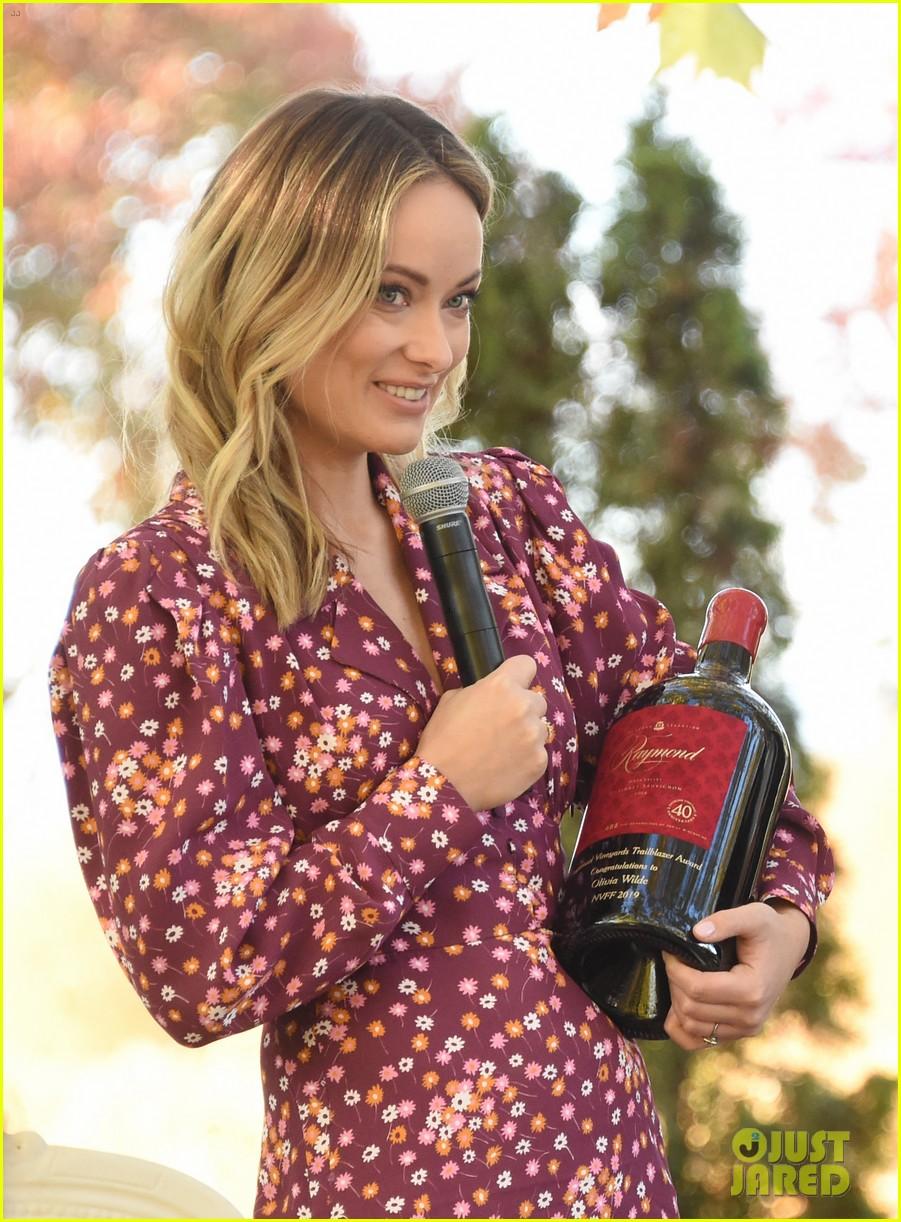 olivia wilde raymond vineyards trailblazer award napa film fest 254389414