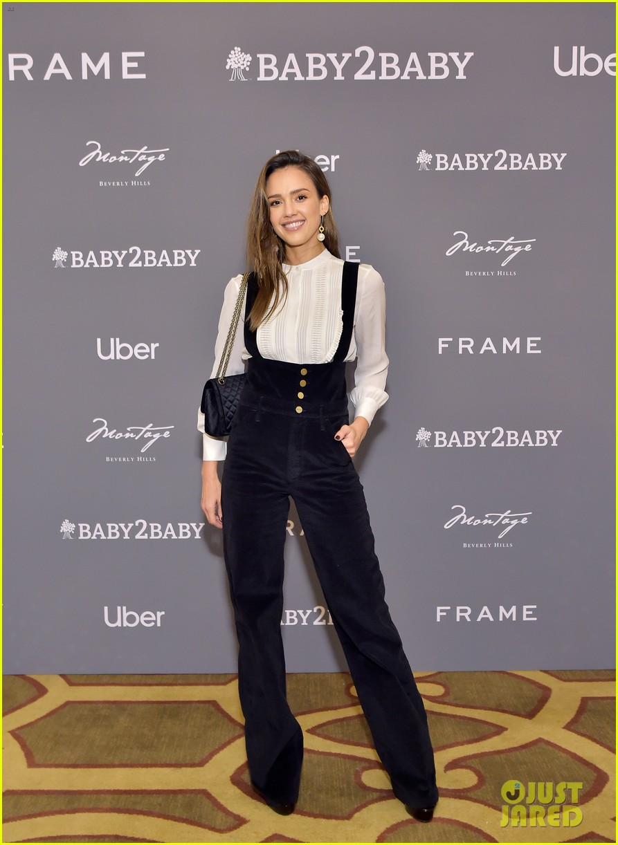 jessica alba husband cash warren celebrate baby2baby holiday party with their kids 034403733