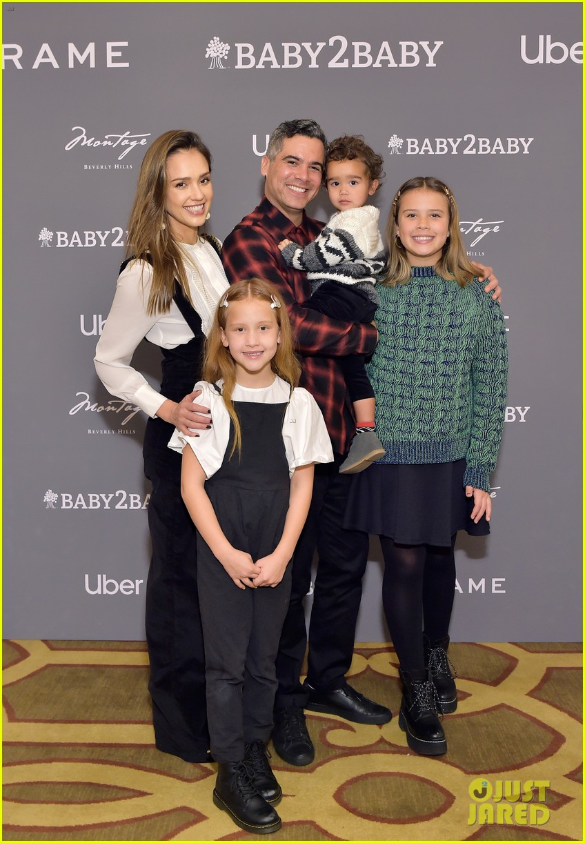 jessica alba husband cash warren celebrate baby2baby holiday party with their kids 054403735