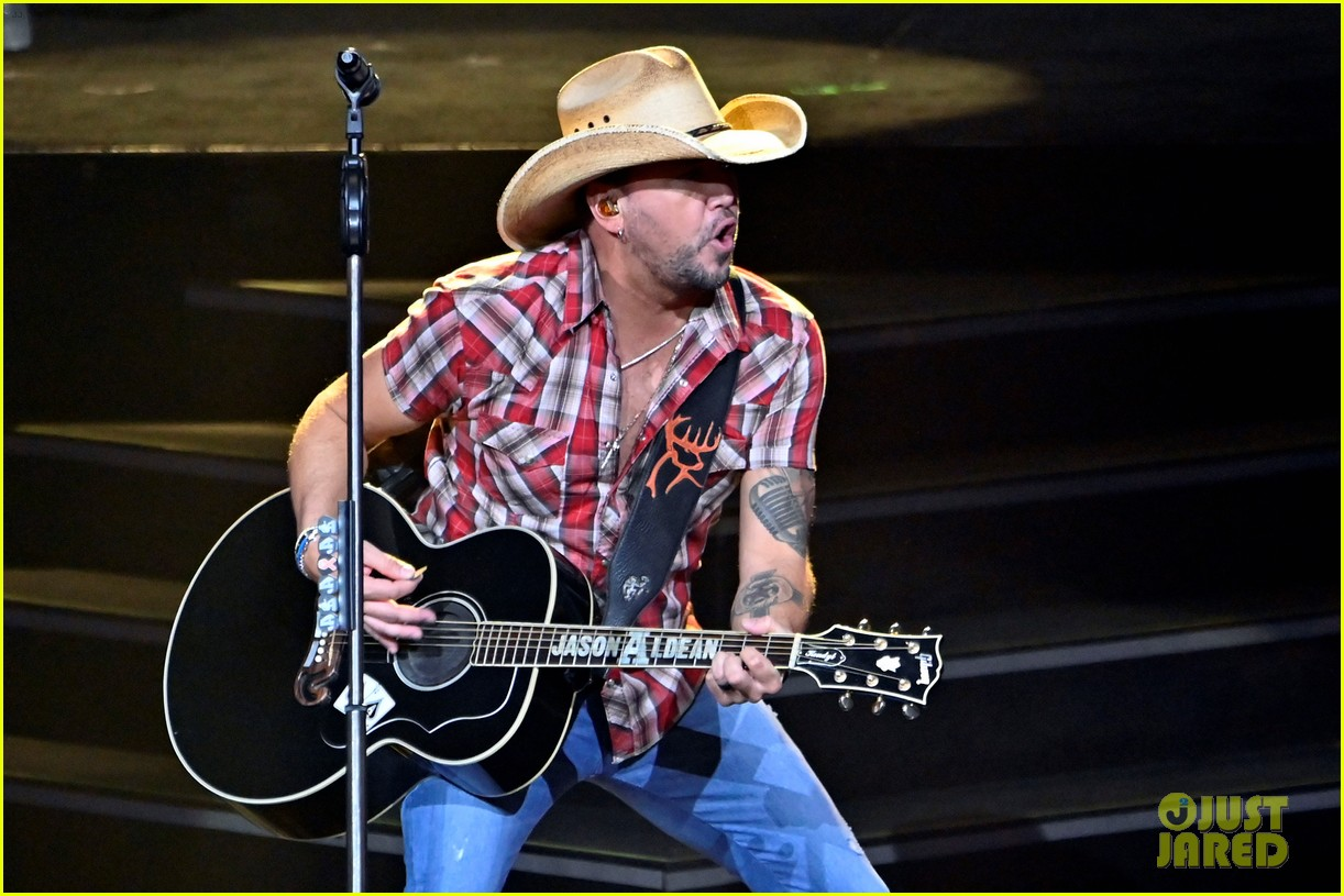 jason aldean first concert las vegas route 91 shooting 2017 034399761